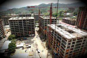 http://runrun.es/. SuperBloques en construcción en la ciudad de Caracas