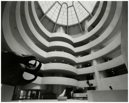 the-guggenheim-museum-in-new-york-city-designed-by-architect-frank-lloyd-wright-interior-from-ground-floor-up-with-spiral-ramp-and-some-sculptures-photo-evelyn-hofer-1960