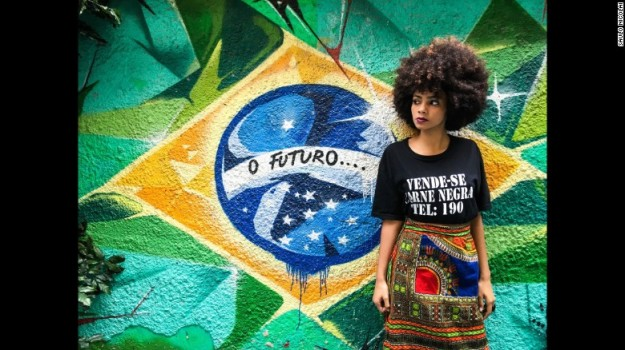 161114090946-17-favelagrafia-photos-saulo-nicolai-exlarge-169-1