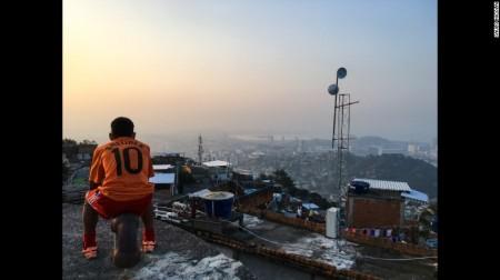 161114091048-18-favelagrafia-photos-saulo-nicolai-exlarge-169 (1).jpg